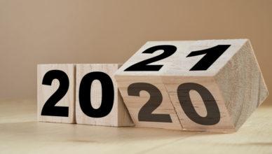 Blöcke von Zahlen ändern sich und das Jahr 2021 zeigt sich.